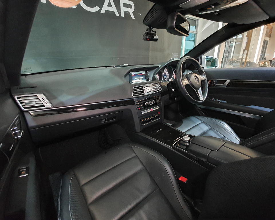 2015 Mercedes-Benz E-Class E250 CGI Coupe - Interior Dash