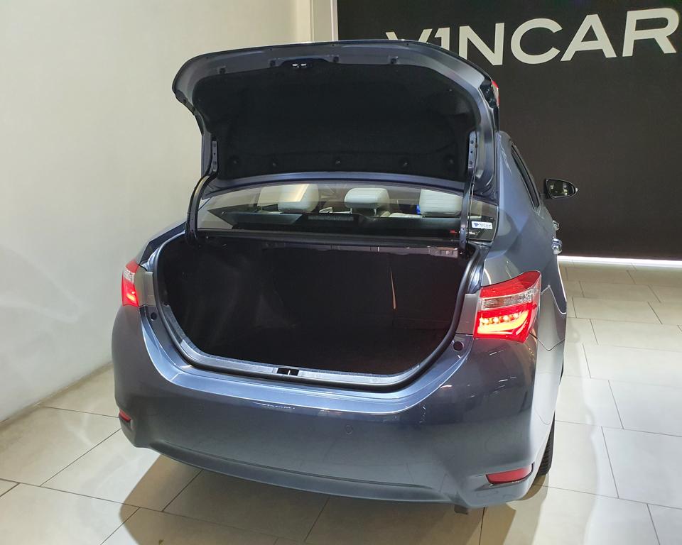 2015 Toyota Corolla Altis 1.6A Classic - Boot Space