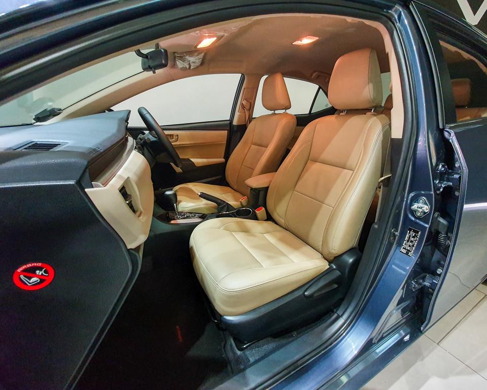 2015 Toyota Corolla Altis 1.6A Classic - Front Passenger