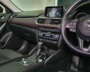 2016 Mazda 6 2.0A - Centre Console