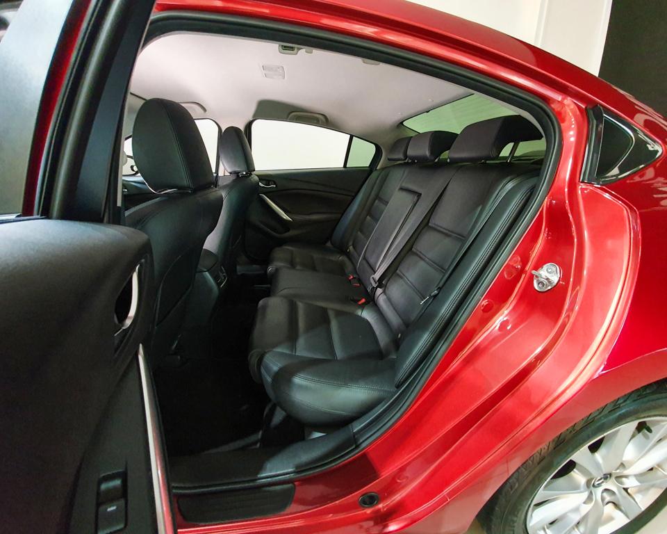 2016 Mazda 6 2.0A - Rear Passenger Seat