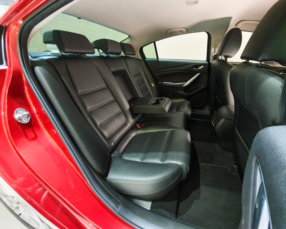 2016 Mazda 6 2.0A - Rear Seat