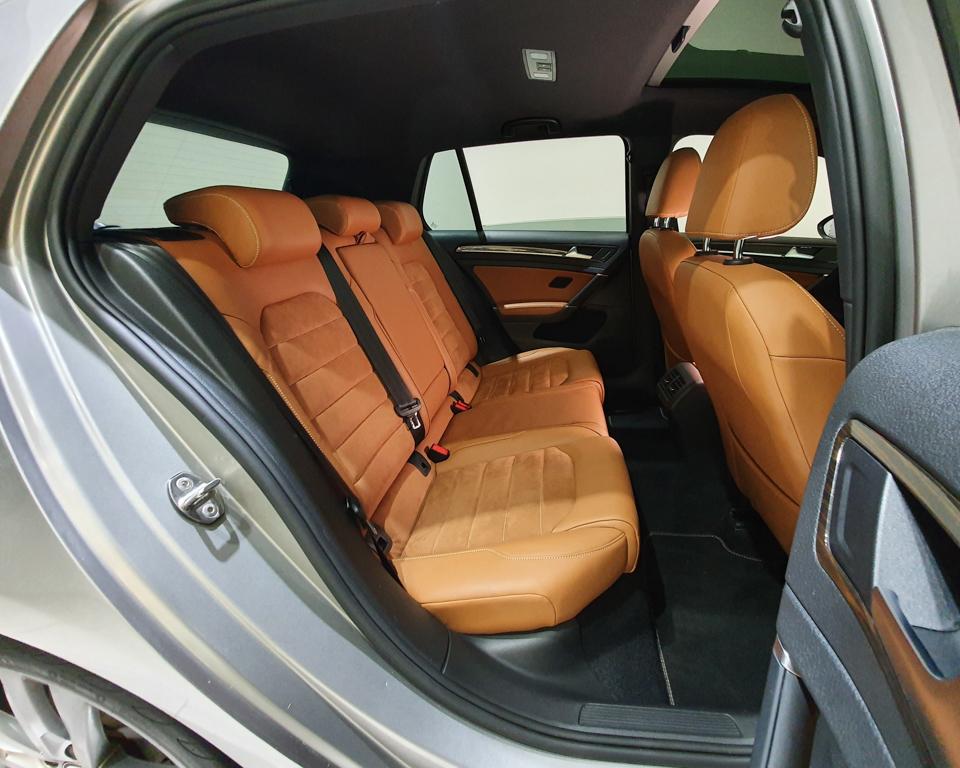 2016 Volkswagen Golf 1.4A TSI Sunroof - Rear Passenger