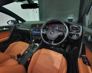 2016 Volkswagen Golf 1.4A TSI Sunroof - Steering Wheel