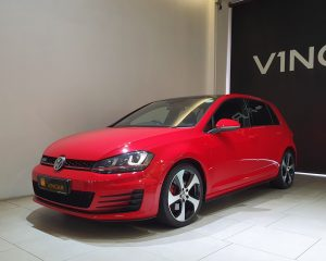 2016 Volkswagen Golf GTI 5DR Sunroof - Front Angle