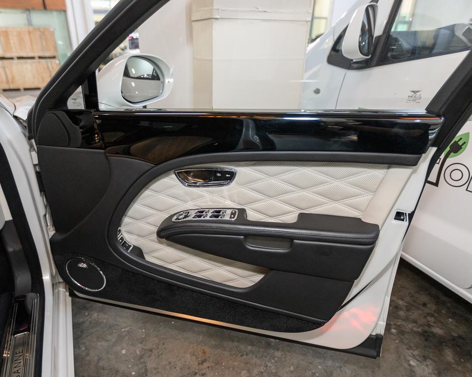 2017 Bentley Mulsanne 6.75A Speed - Front Door