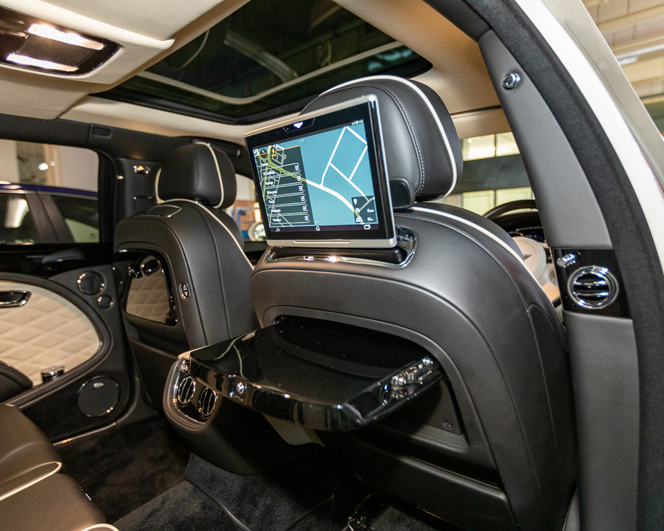 2017 Bentley Mulsanne 6.75A Speed - Rear Screen and Tray