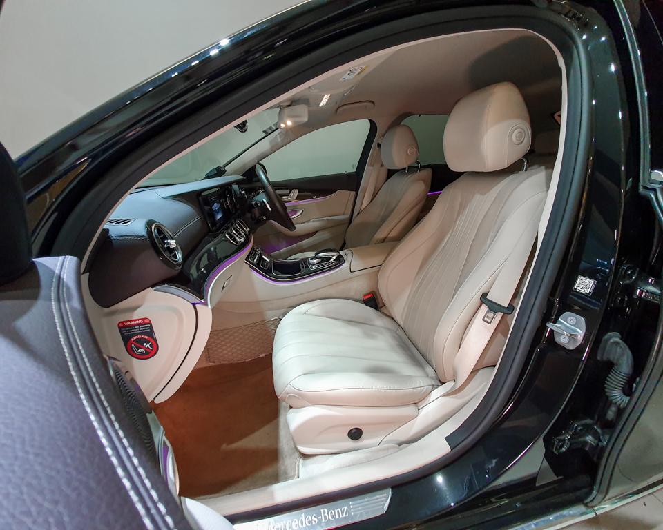 2017 Mercedes-Benz E-Class E200 Exclusive - Front Passenger Seat