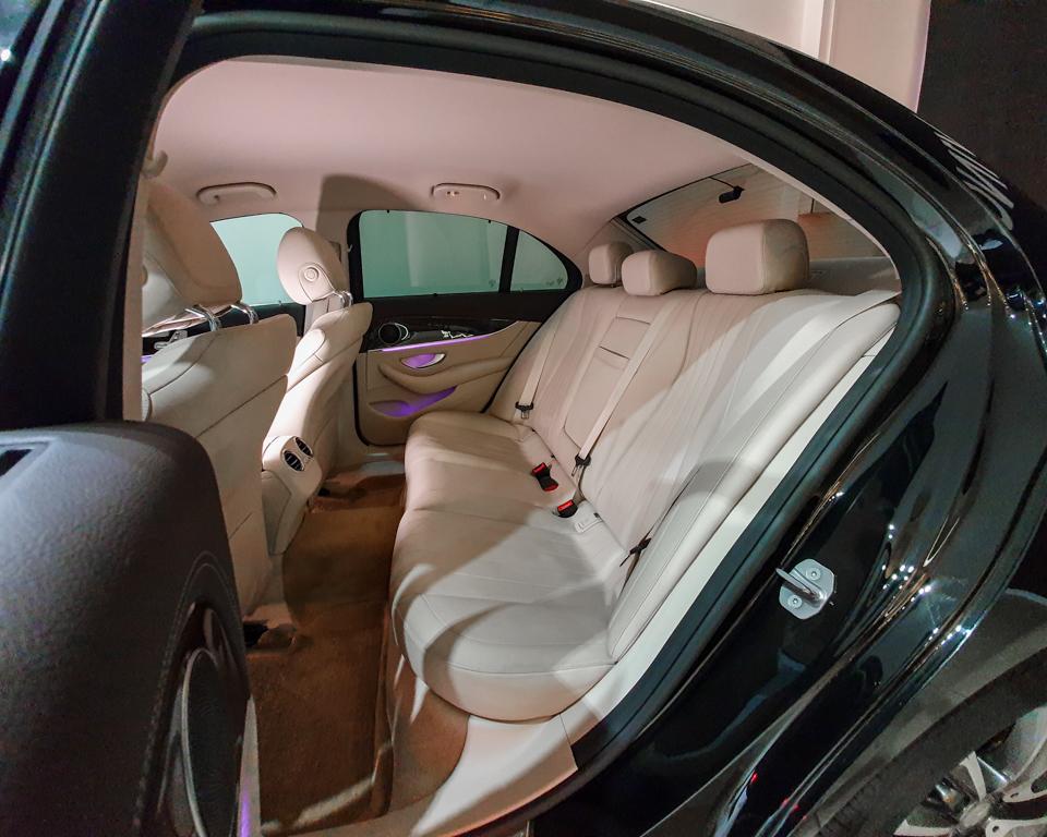 2017 Mercedes-Benz E-Class E200 Exclusive - Rear Passenger Seat