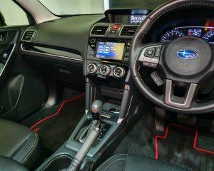 2018 Subaru Forester 2.0i-L Sunroof - Center Console