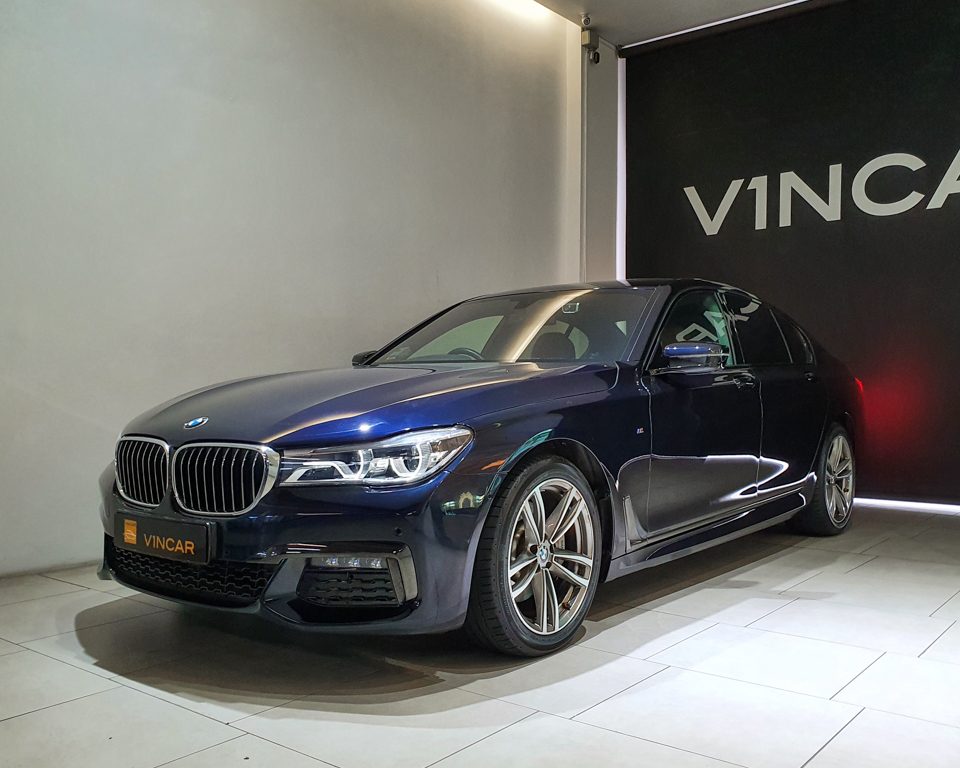 2019 BMW 7 Series 730i M-Sport Sunroof - Front Angle