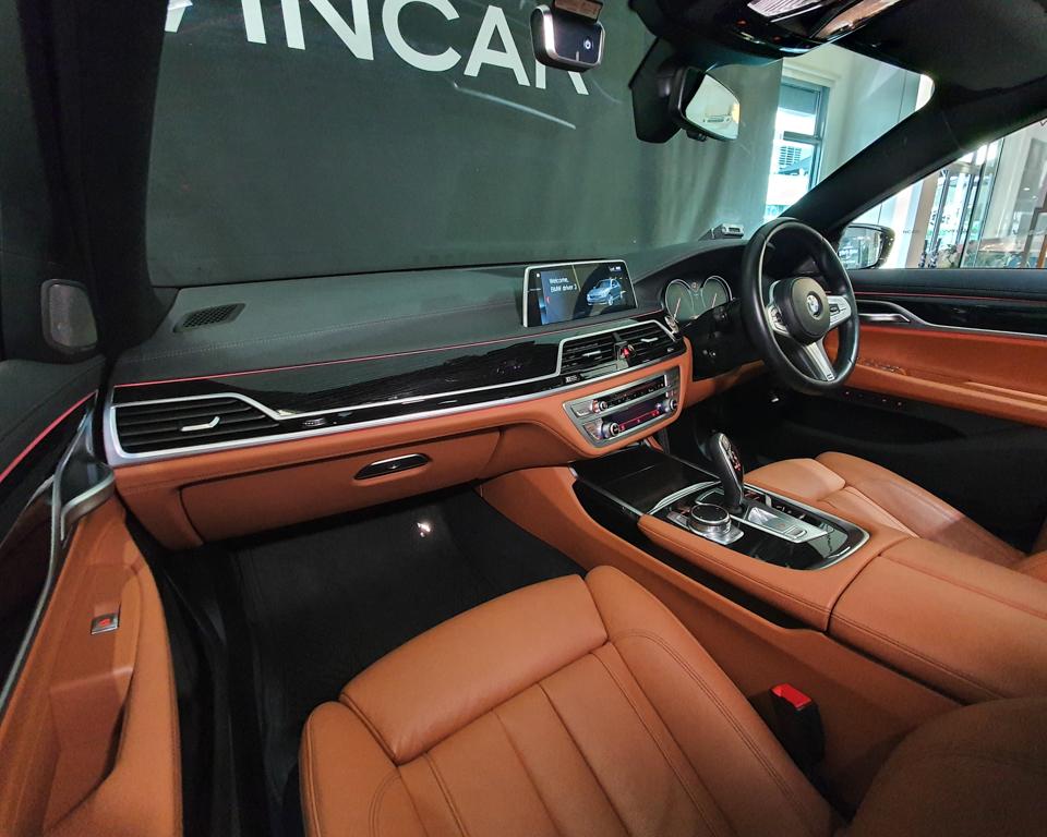 2019 BMW 7 Series 730i M-Sport Sunroof - Interior Dash