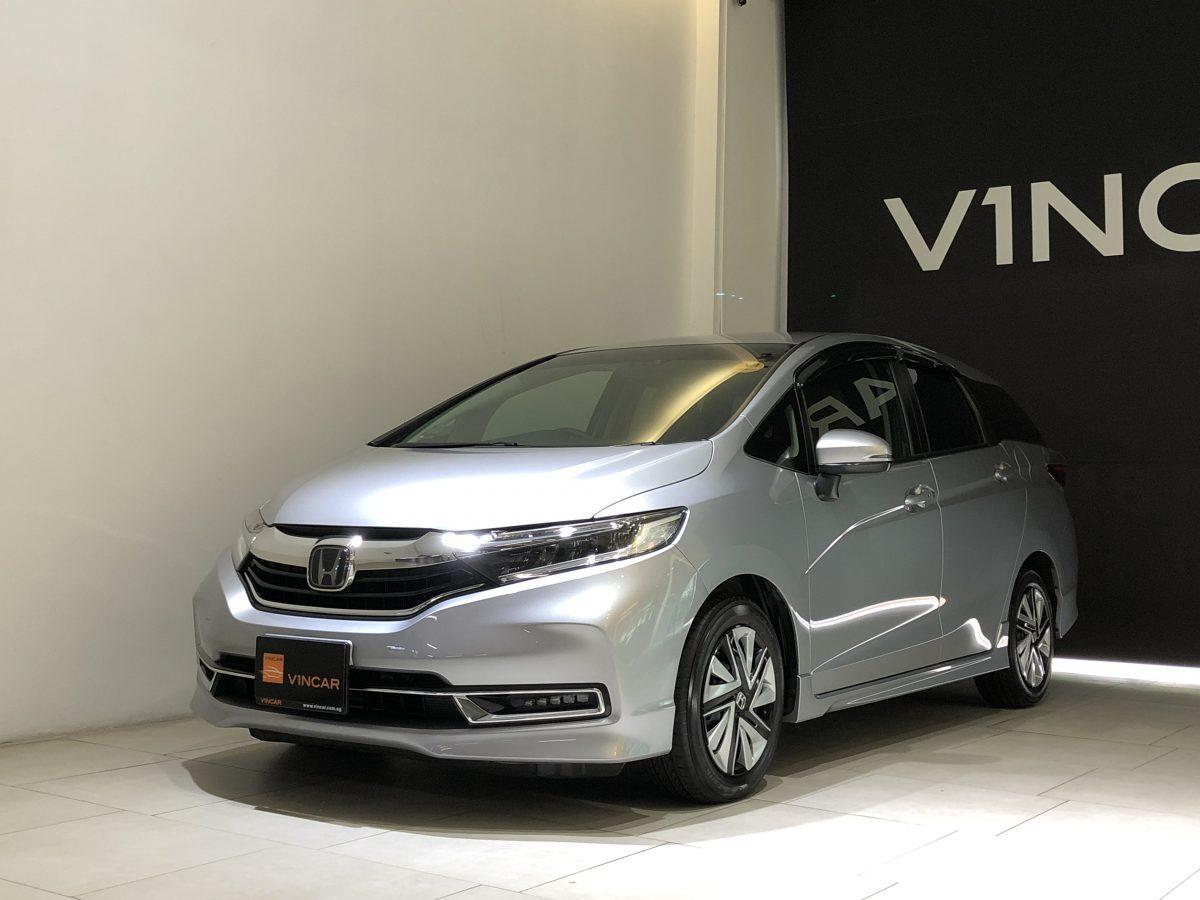2020 Honda Shuttle 1.5A G Honda Sensing - Front Angle