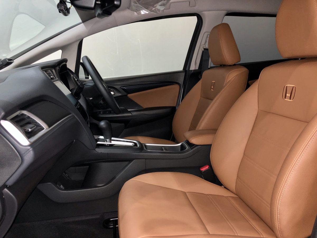 2020 Honda Shuttle 1.5A G Honda Sensing - Front Passenger Seat