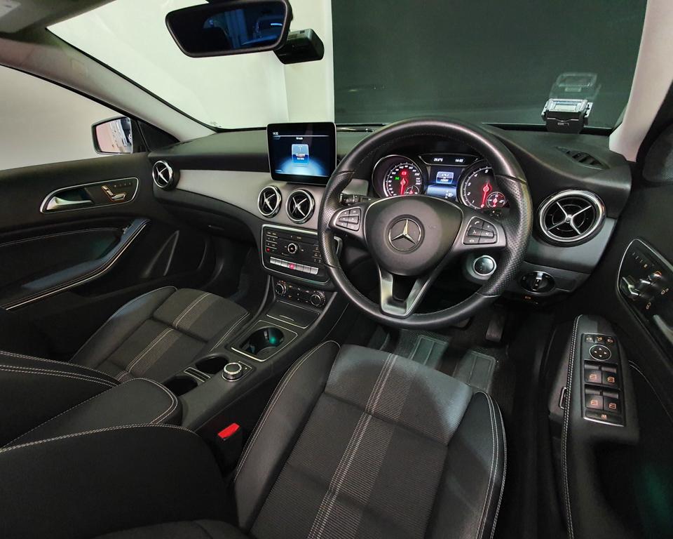2020 Mercedes-Benz GLA-Class GLA180 Urban Edition - Steering Wheel