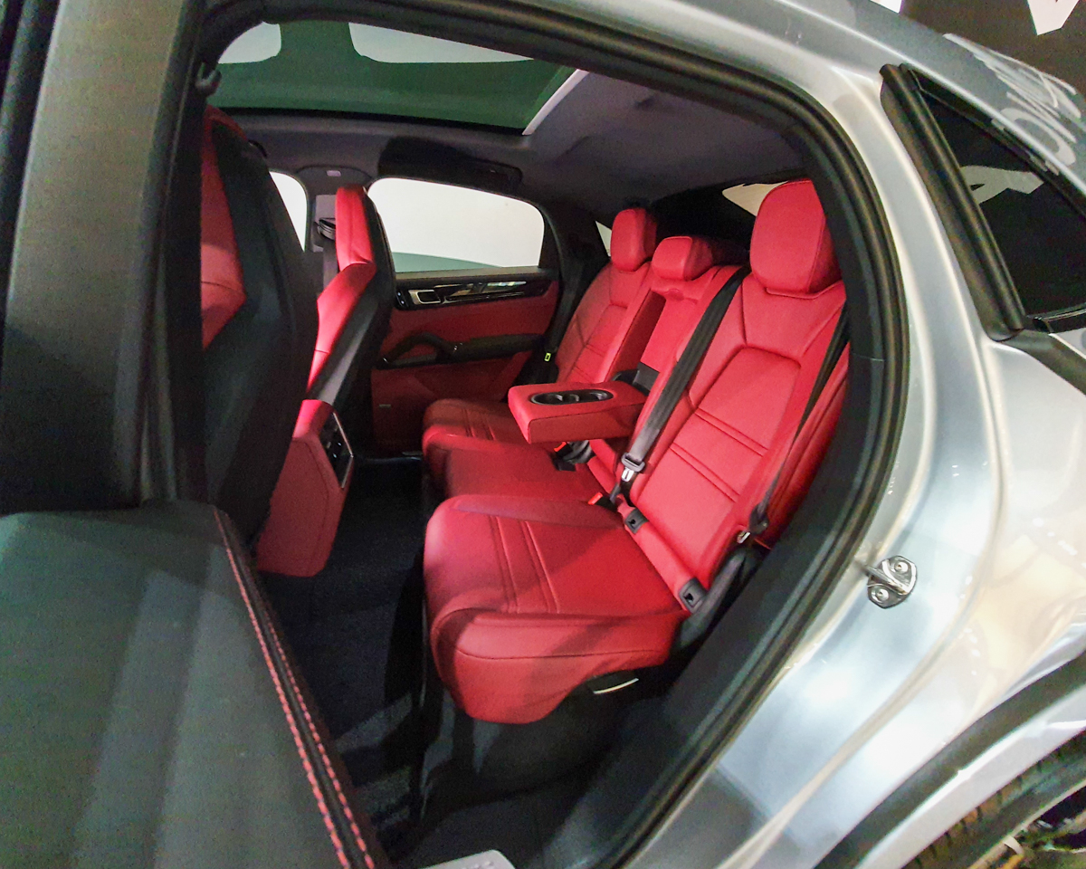 2020 Porsche Cayenne S Coupe 2.9A - Back Seat