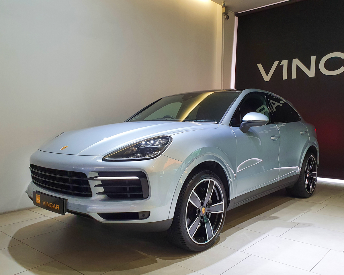 2020 Porsche Cayenne S Coupe 2.9A - Front Angle