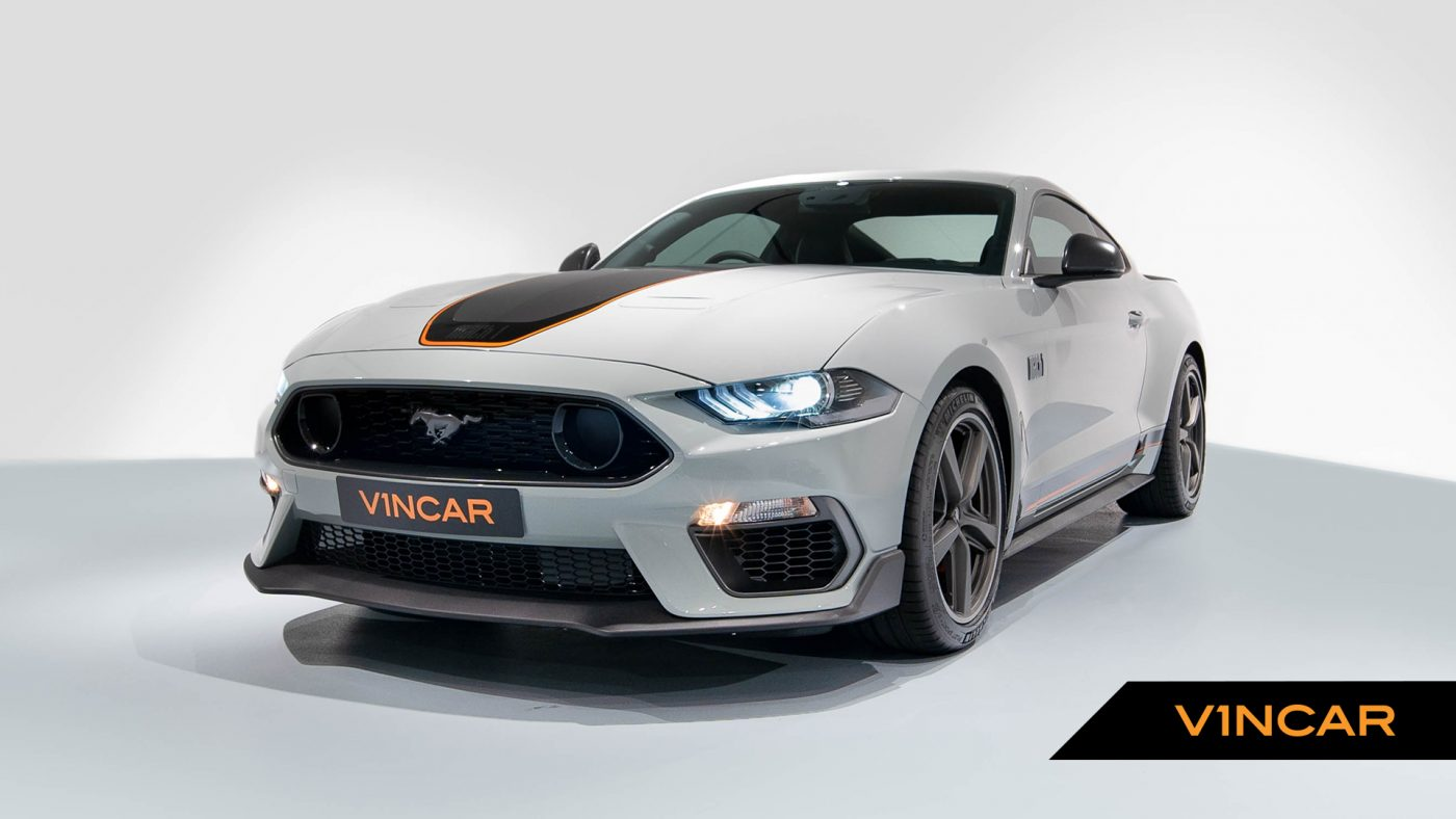 Ford Mustang 5.0 V8 Mach 1 Fastback - Front Angle