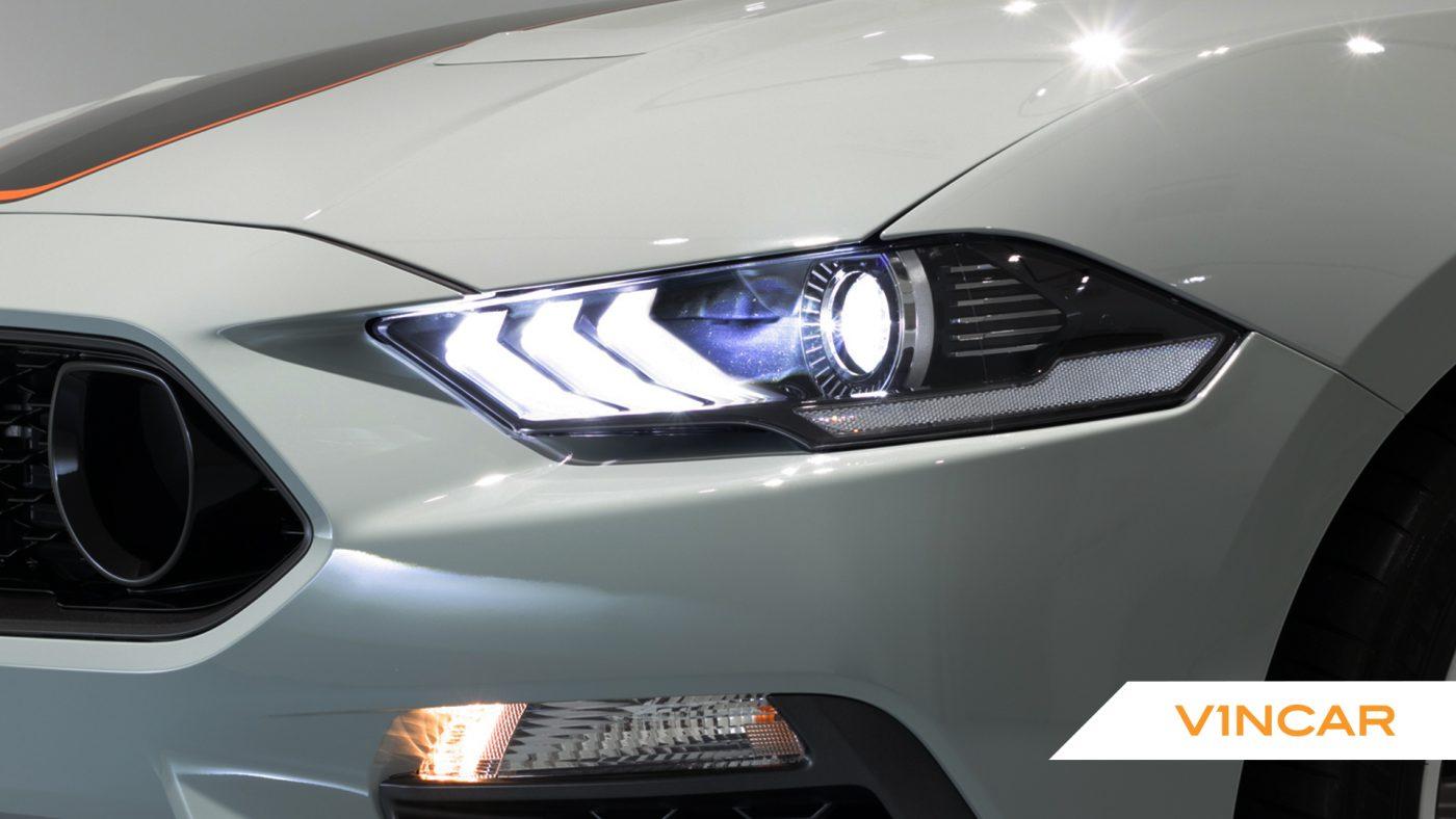 Ford Mustang 5.0 V8 Mach 1 Fastback - Headlight