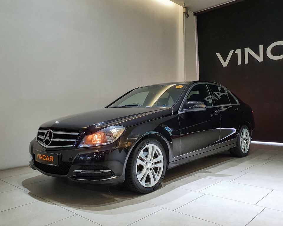 2014 Mercedes-Benz C-Class C180 - Front Angle