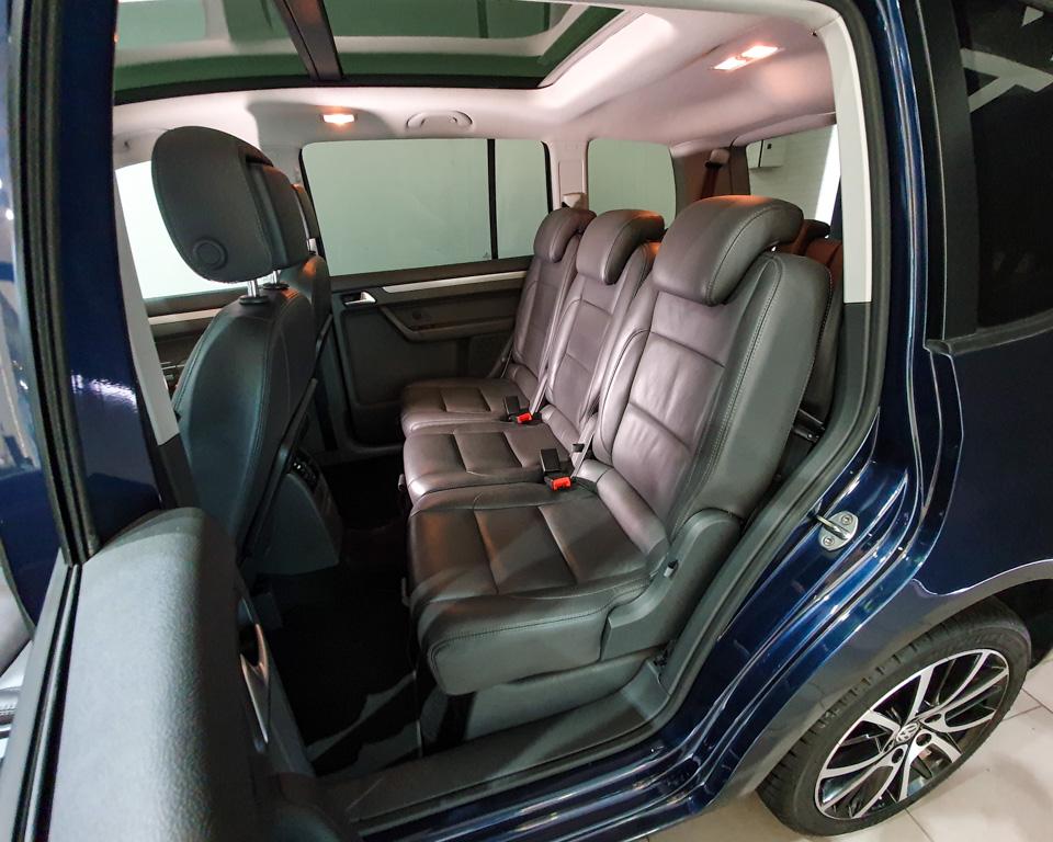 2014 Volkswagen Touran Diesel 1.6A TDI Sunroof - Rear Passenger Seat