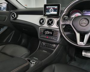 2015 Mercedes-Benz GLA-Class GLA200 - Centre Console