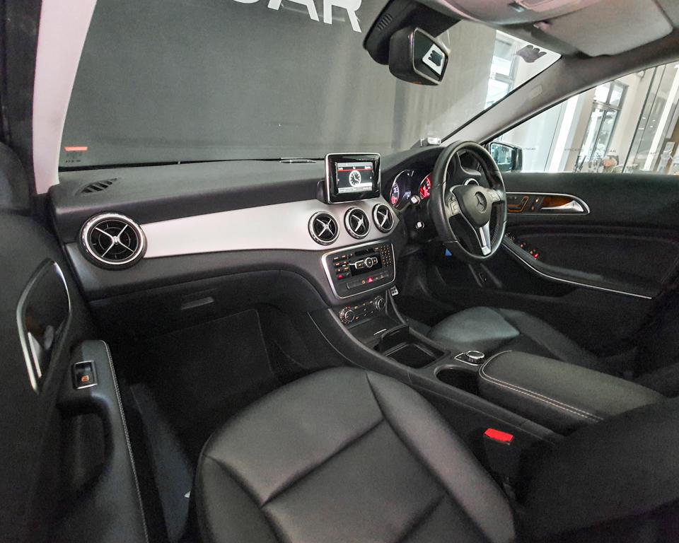 2015 Mercedes-Benz GLA-Class GLA200 - Interior Dash