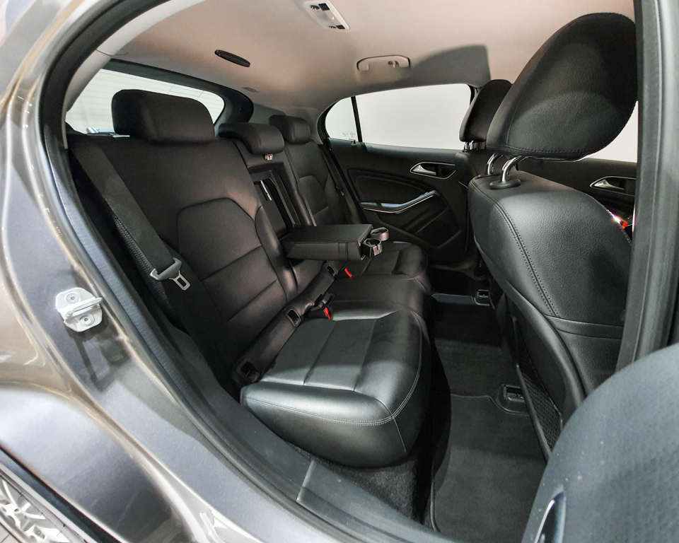 2015 Mercedes-Benz GLA-Class GLA200 - Rear Seat