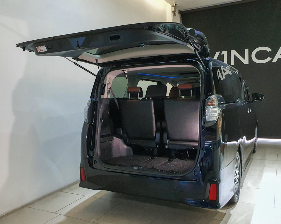 2015 Toyota Vellfire 2.5A Z G-Edition Moonroof - Tailgate