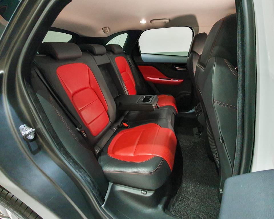 2017 Jaguar F-PACE Diesel 2.0A R-Sport - Rear Seat