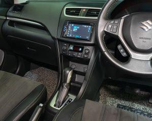 2017 Suzuki Swift 1.4A Special Edition - Centre Console