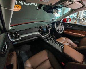 2017 Volvo XC60 T5 Momentum - Interior Dash