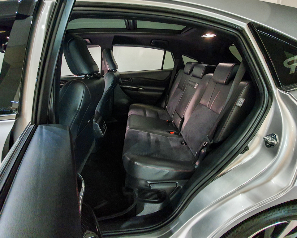 2018 Toyota Harrier 2.0A G-Grade - Back Seat