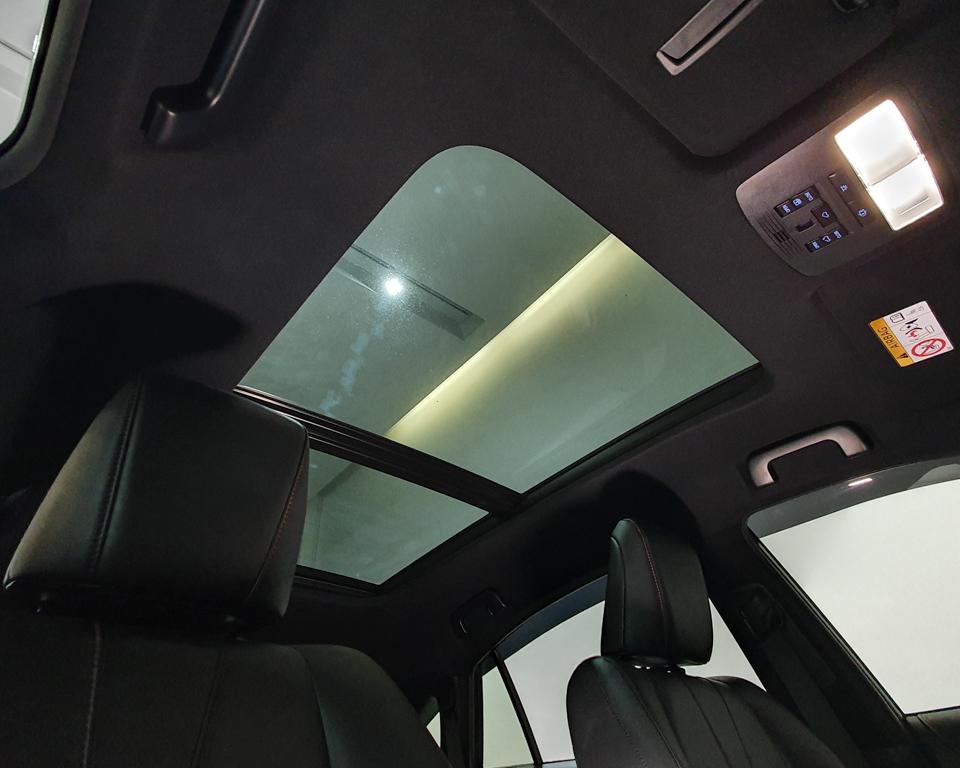 2018 Toyota Harrier 2.0A G-Grade - Glass Sunroof