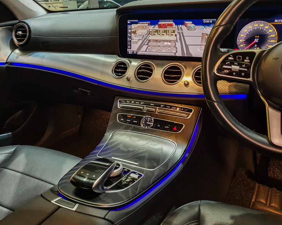2020 Mercedes-Benz E-Class E200 SE Premium - Centre Console