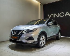 2017 Nissan Qashqai 1.2A DIG-T - Front Angle