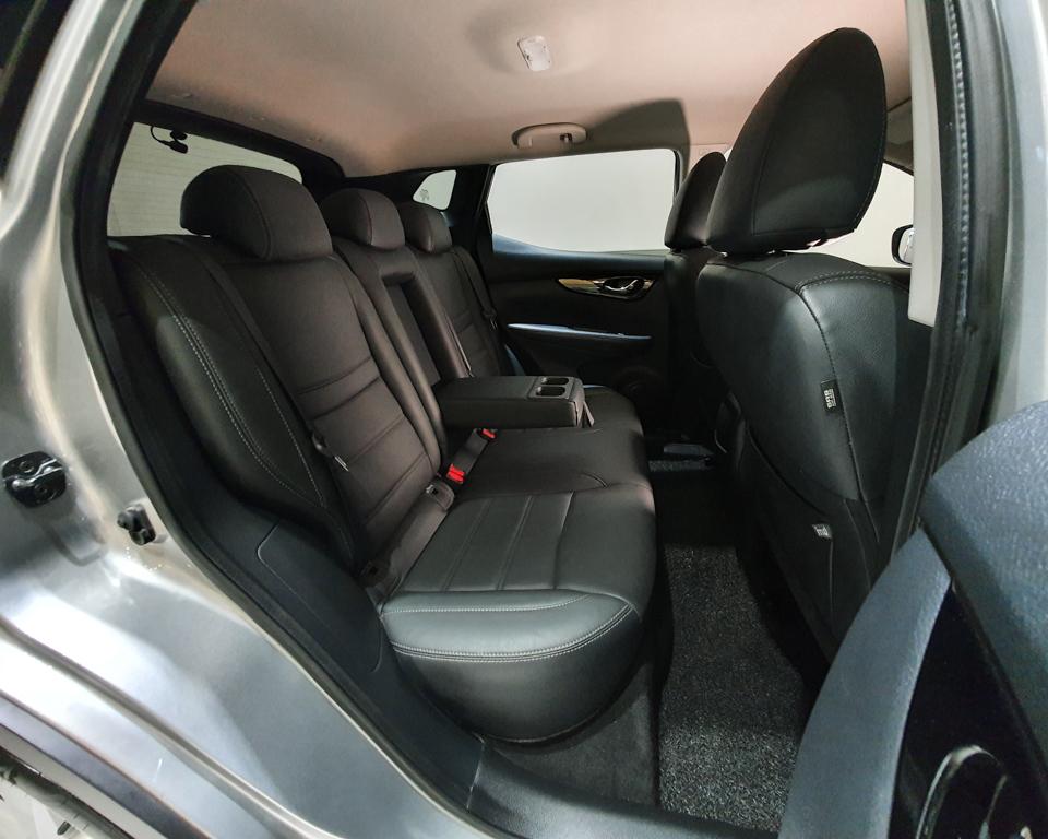 2017 Nissan Qashqai 1.2A DIG-T - Rear Seat