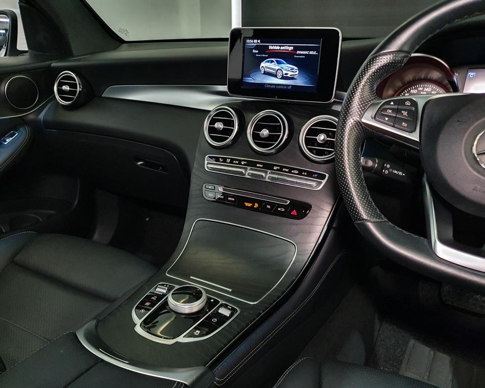 2018 Mercedes-Benz GLC-Class GLC250 Coupe AMG 4MATIC Premium - Centre Console