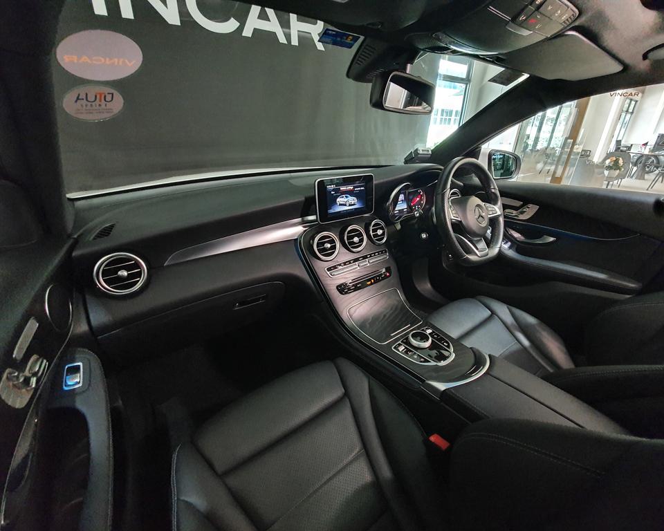 2018 Mercedes-Benz GLC-Class GLC250 Coupe AMG 4MATIC Premium - Interior Dash