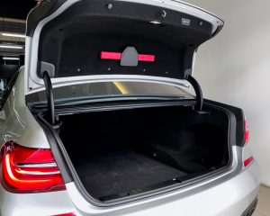 2017 BMW 7 Series 730i M-Sport Sunroof - Boot Space