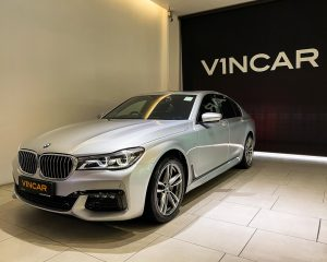 2017 BMW 7 Series 730i M-Sport Sunroof - Front Angle