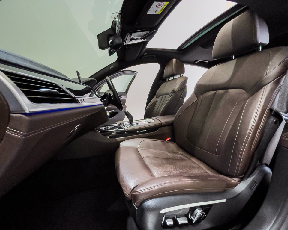 2017 BMW 7 Series 730i M-Sport Sunroof - Front Seat