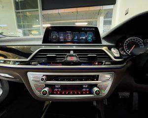 2017 BMW 7 Series 730i M-Sport Sunroof - Infotainment System