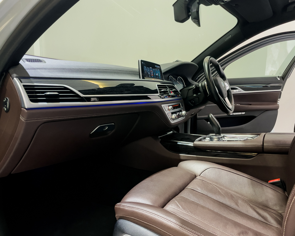 2017 BMW 7 Series 730i M-Sport Sunroof - Interior Dash