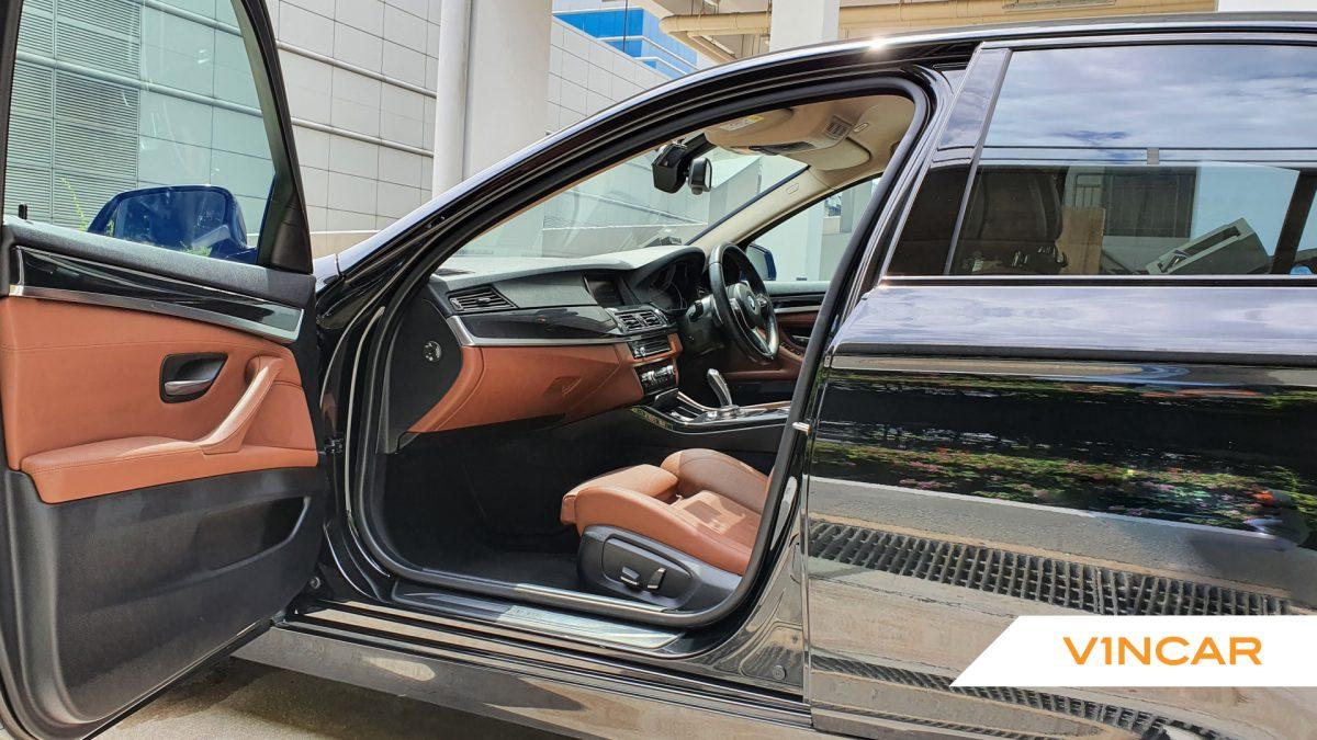 2016 BMW 5 Series 520i - Front Door