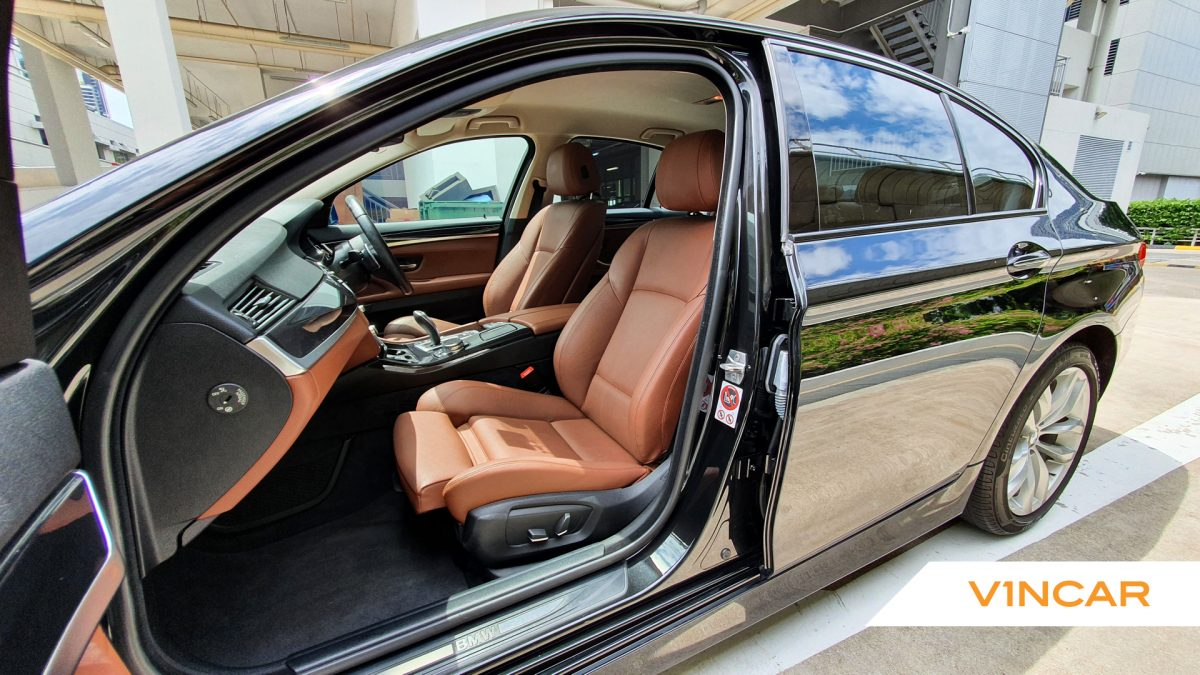 2016 BMW 5 Series 520i - Front Seat