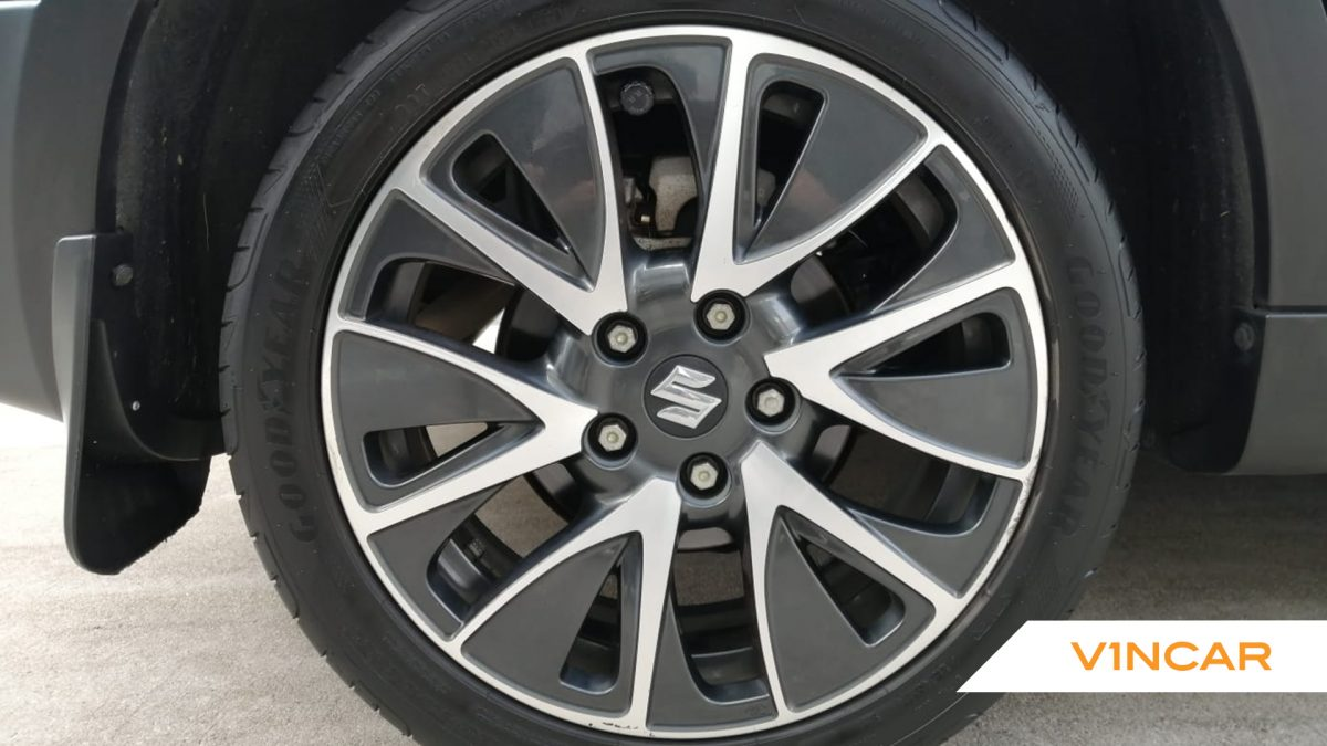 2017 Suzuki SX4 S-Cross 1.6A Sunroof - Wheels