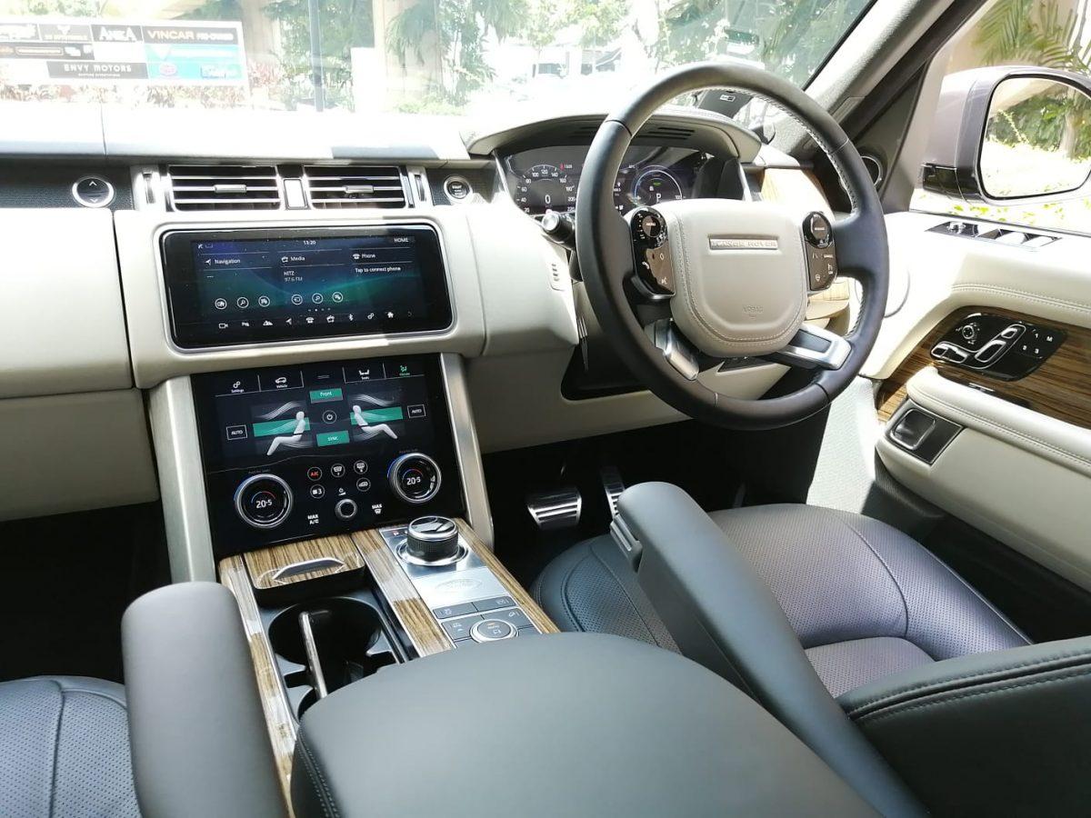 2020 Land Rover Range Rover Plug-in Hybrid 2.0A P400e PHEV - Interior Dash